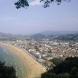 View information about Zarauz, check availability and book online